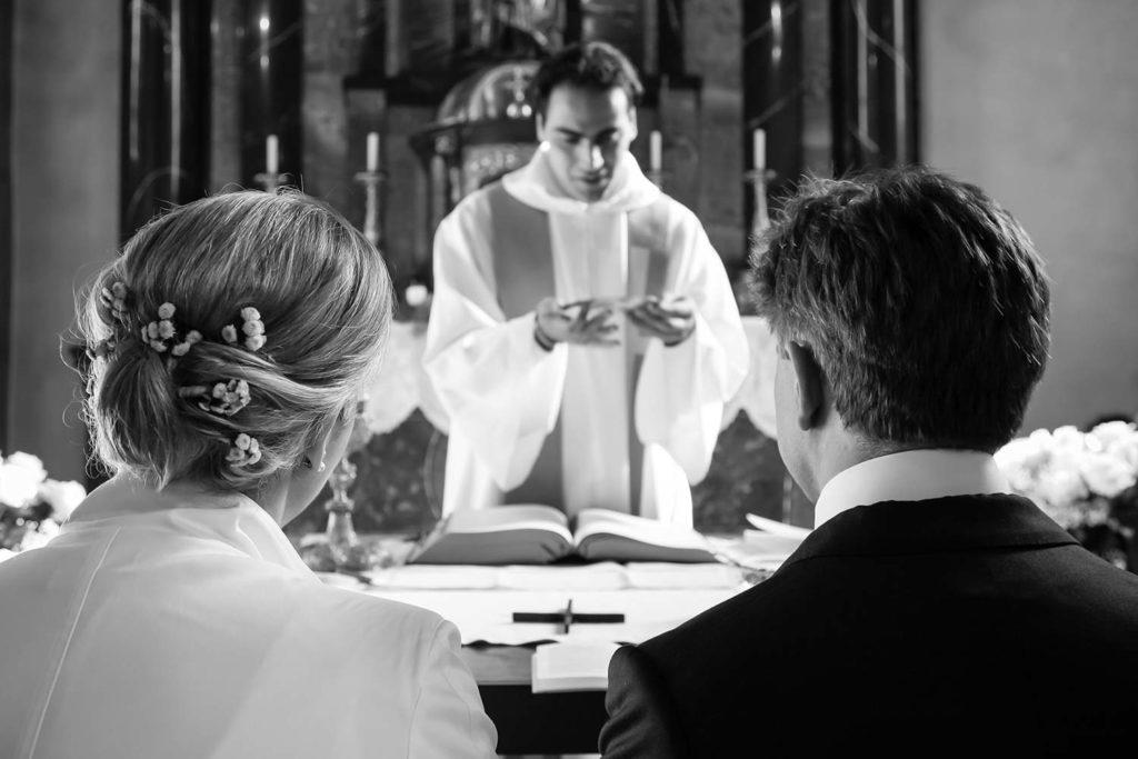 Katholische Trauung in der Kirche