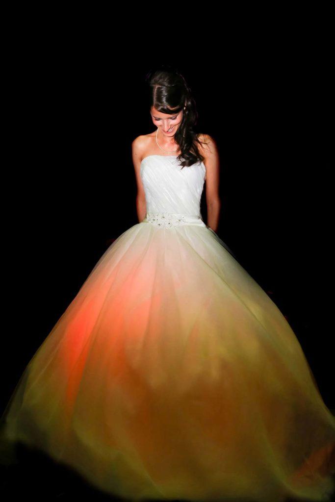 leuchtendes Brautkleid