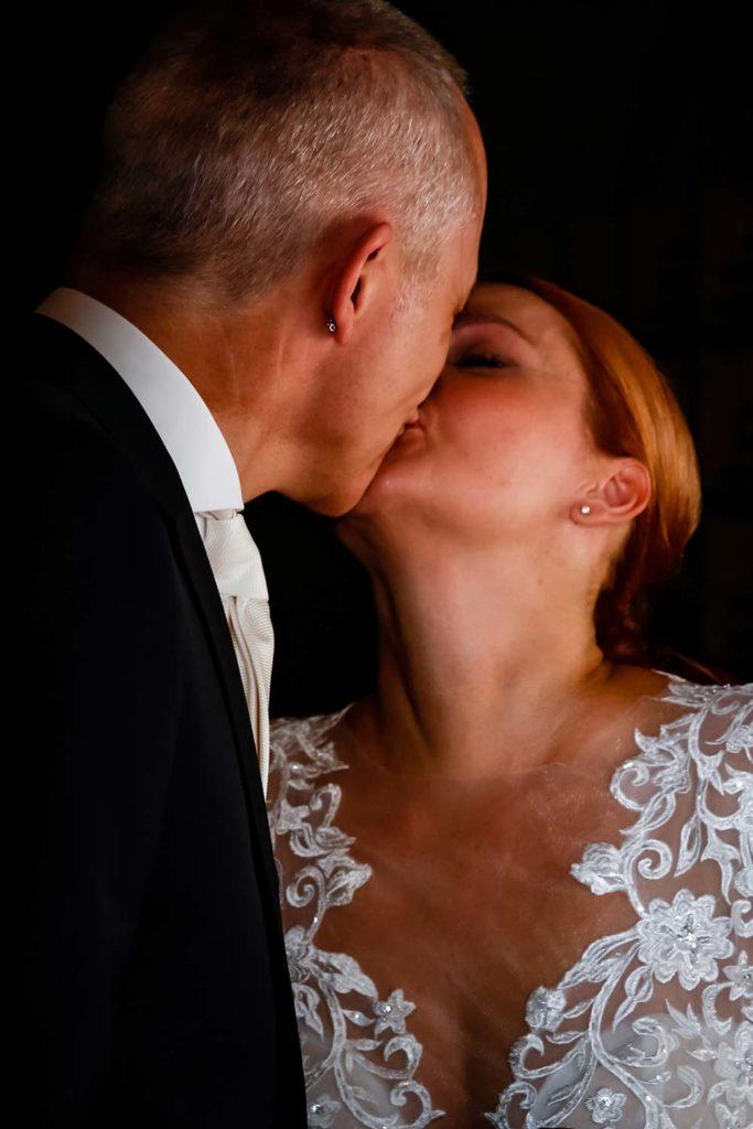 Hochzeitskuss in Ehren