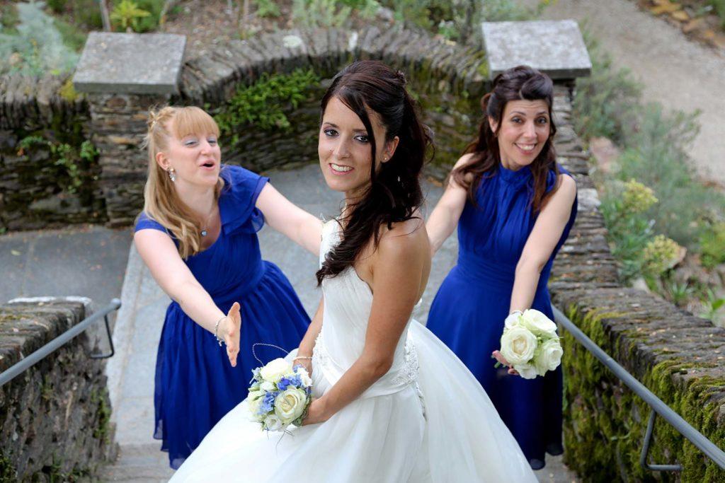 Fotoshooting mit Braut und Brautjungfer