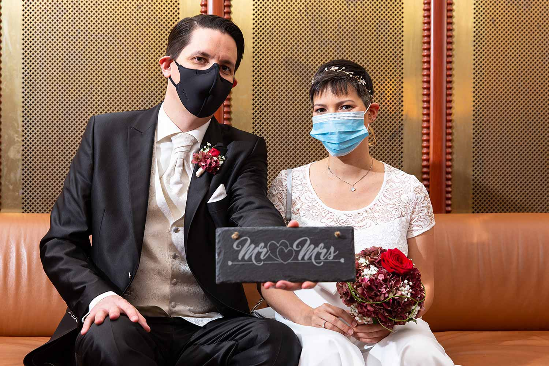 Ziviltraung mit Masken